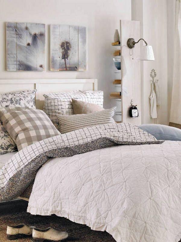 Hálószoba dekoráció ötletek, színek, anyagok, hangulatok - 51 képben - lakberendezési ötletekSerenity Bedrooms, Bedside Storage, Kind Design,  Comforters, Alarm Clocks, Design Ideas, Bedrooms Design, Bedrooms331 Kind, Bedroom Designs