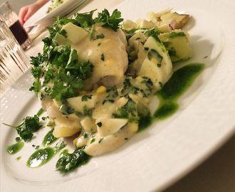 Recept för kolja ägg och persiljesås. På myTaste.se hittar du 8 recept för kolja ägg och persiljesås så väl som tusentals liknande recept.