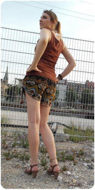 carolicious clothes: gemusterte Chiffon-Shorts