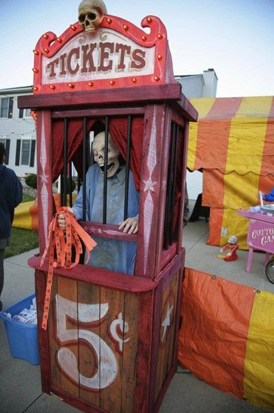 """Scary Ticket Booth Build. An outstanding user-contributed project from Keith Corcoran, who wanted a ticket booth to go with his haunt's """"Creepy Carnival"""" t"""
