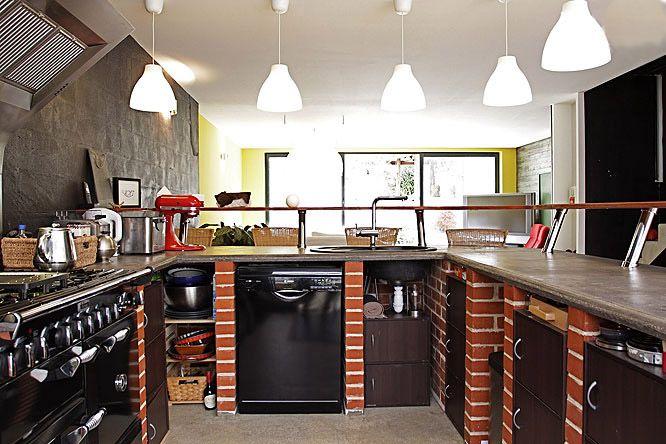 кухонный гарнитур из кирпича фото гостинице или съёмная