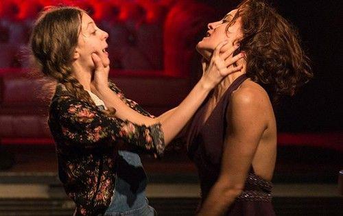 Utanç | İstanbul'da Sanat  Studio 4 Istanbul'un Fassbinder'in, Petra von Kant'ın Acı Gözyaşları filminden esinlenerek oluşturduğu Utanç; birlikte mutlu olmayı çaresizce isteyen dört kadının hikâyesini aktarıyor izleyiciye.  Read more: http://istanbuldasanat.org/utanc-2/#ixzz3TQoulIeY