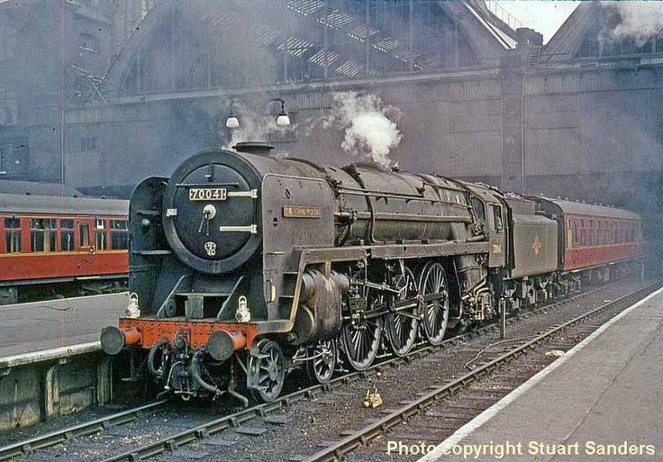"""BR Britannia Class 4-6-2 70041 """"Sir John Moore"""" Mais"""