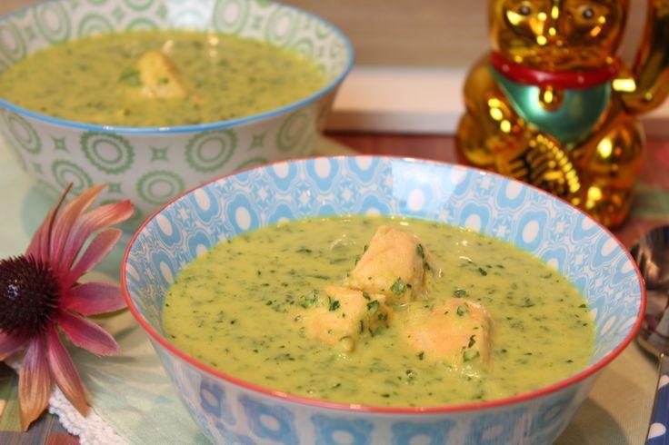 So gesund, so lecker und so einfach gemacht... 3 Portionen 85 g Zwiebel gehackt 50 g gelbe Currypaste 850 g Blumenkohl in Röschen geschnitten 750 ml Gemüse