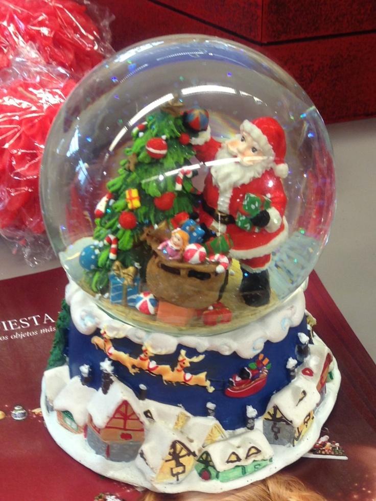 Mi nueva adquisición navideña :) bola de Navidad de Papa Noel!
