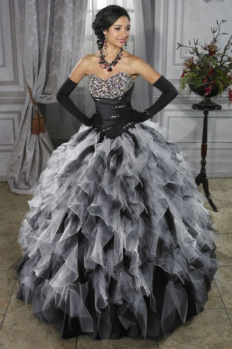 Evening gown, couture, evening dresses, formal and elegant Wish we had an event to wear this to!!