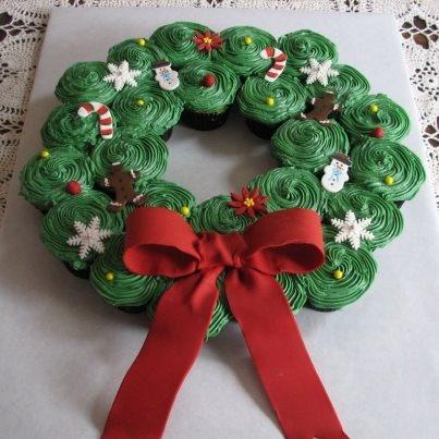 A cupcake wreath! Genius!