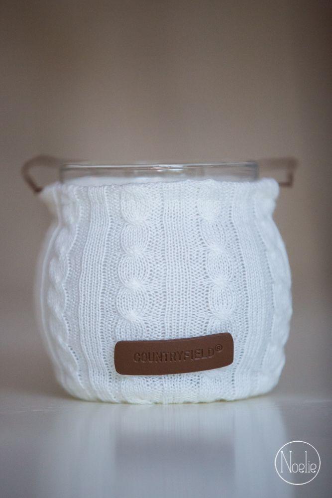 glazen windlicht 39 bowden 39 met winters jasje van wol met leren label van het merk 39 countryfield. Black Bedroom Furniture Sets. Home Design Ideas