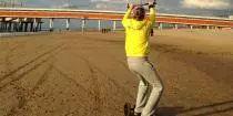 Landboarden is het vervolg op powerkiten. Eerst leer je vliegeren met een grote kite, waarna je op een soort skateboard over het strand gaat rijden. Je kunt zowel in de zomer als in de winter landboarden. Bovendien is landboarden een echte fun activiteit! Ideaal als bedrijfsuitje, groepsuitje of vriendenuitje. - See more at: http://www.a-wayevents.nl/nl/bedrijfsuitjes/landboarden#sthash.yvWSS0jX.dpuf