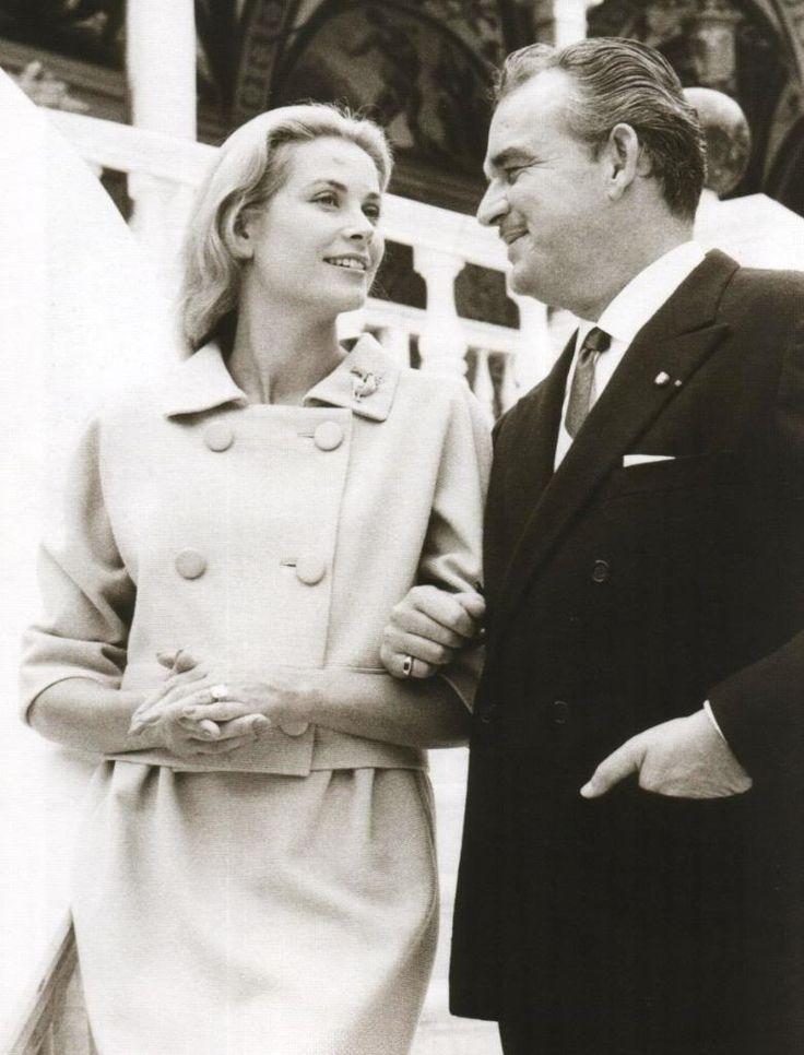 Grace Kelly, Prens Rainier ile monaco da !! prens Rainer i nedense Abdullah GÜL e benzetmişimdir hep:)))