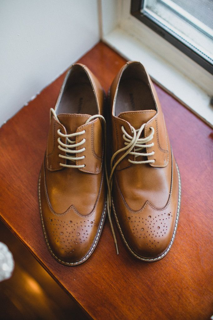 Groom's shoes from Banana Republic