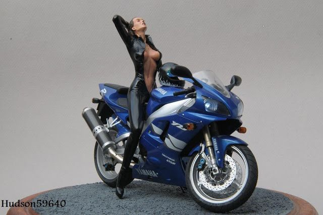Racing Scale Models: Diorama - Yamaha YZF-R1 1998 + Girl by Rémi Aerts