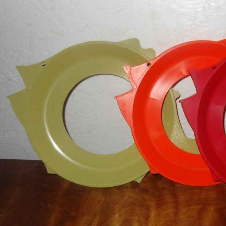 Lot 3 Vintage Fish Plate Holders Plate Mate shape 70s Red Orange Green Picnic #PlateMate