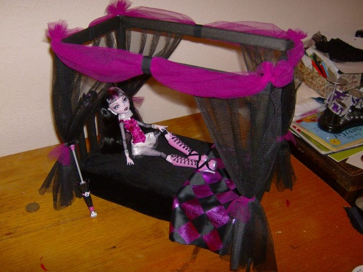Monster high doll canopy bed diy monster high dollhouse for How to make a high bed
