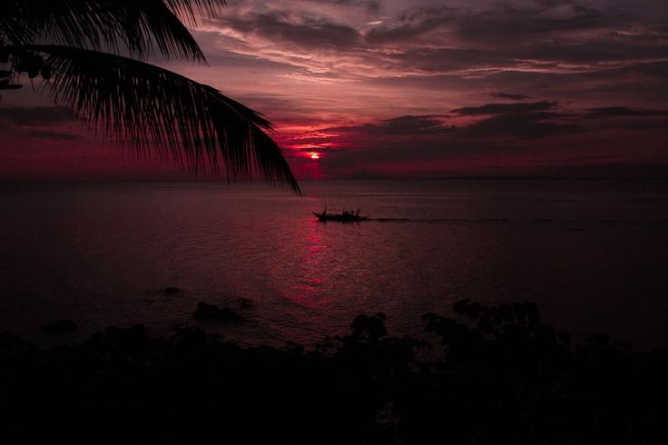 Sunset at Anilao, Mabini Batangas. Stunningly beautiful. :)