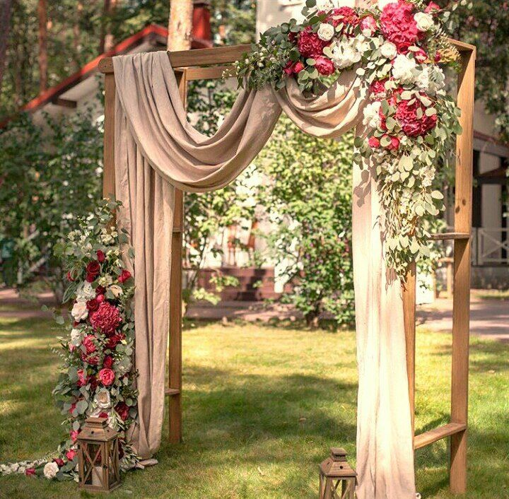 деревянная квадртаная арка