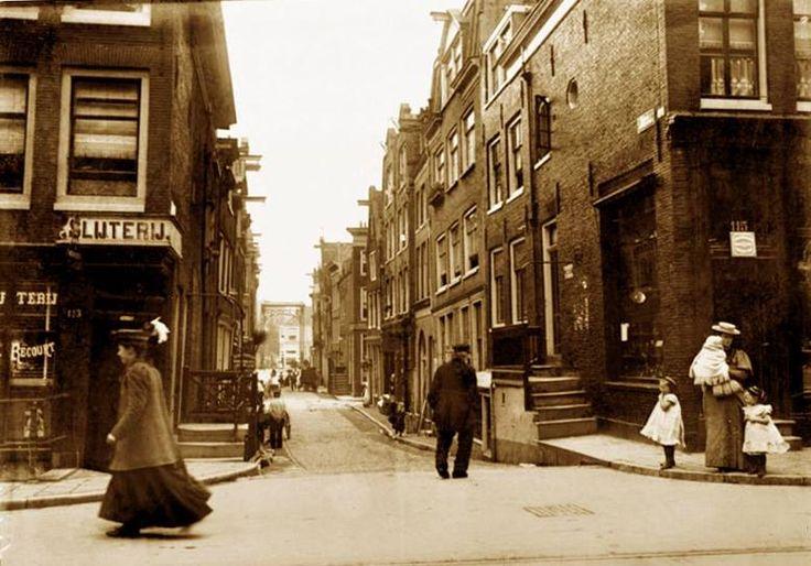 Amsterdam, Haarlemmerdijk met zicht op de Binnen Dommersstraat, 1902, George Breitner.