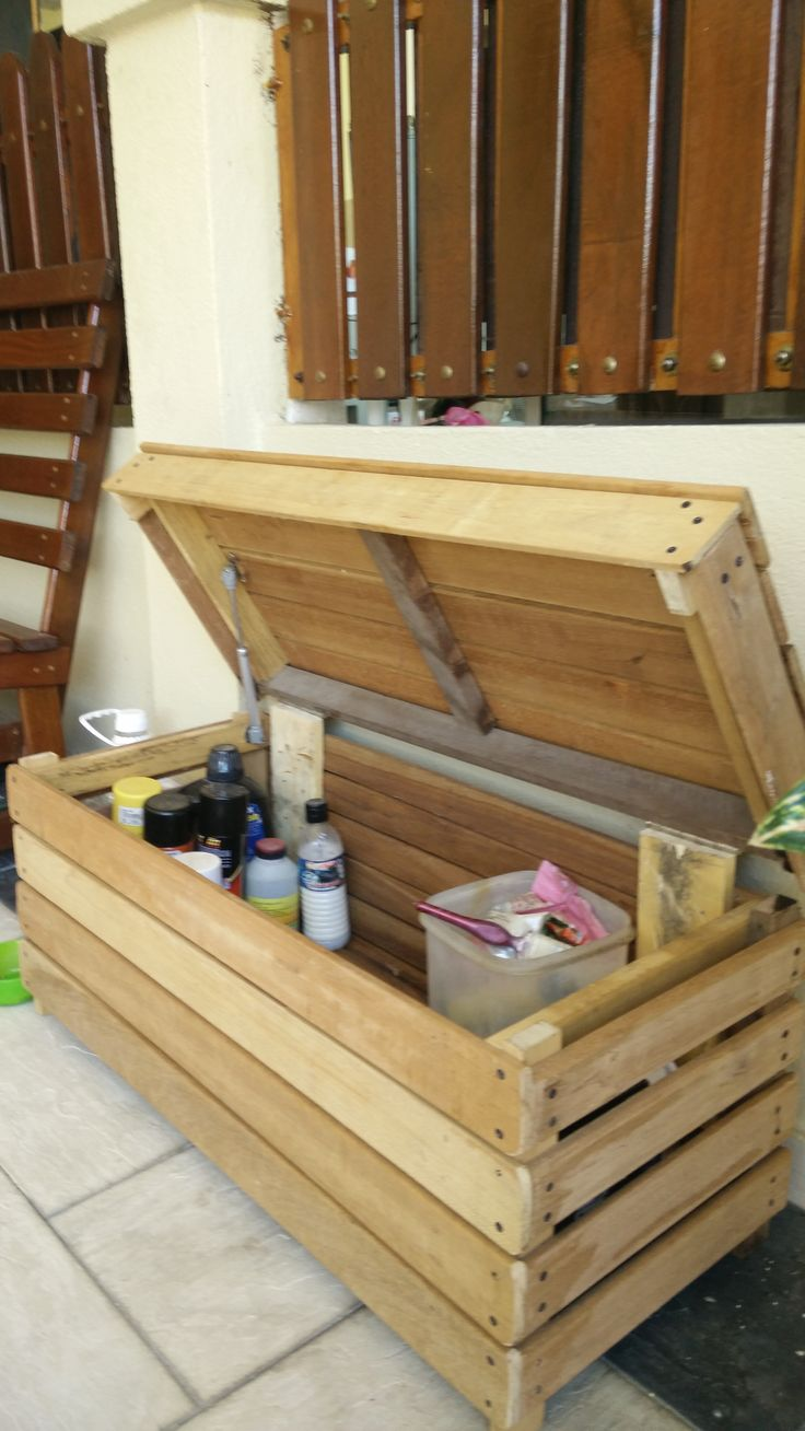 1000 images about pallet boxes crates chests on - Muebles vintage reciclados ...