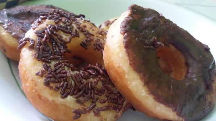 Kuliner Lampung - Mencicipi Donat Kentang di Warung Jabrik, Harganya Enteng di Kantong