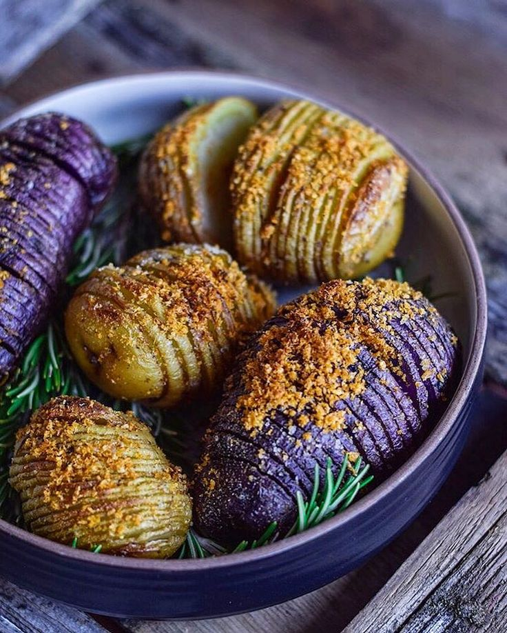 "5,254 Likes, 160 Comments - Fear not. Food is your friend. (@foodbymaria) on Instagram: ""Hasselback Potatoes recipe is now linked in bio! These bad boys are so delicious, super easy to…"""