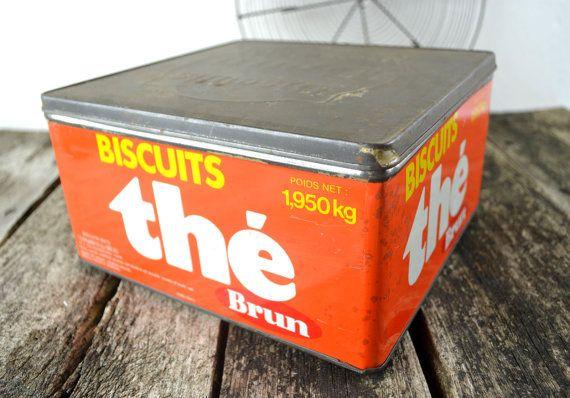 Les biscuits de chez mamie! ancienne boite a biscuits en métal thé par shabbyfrenchvintage