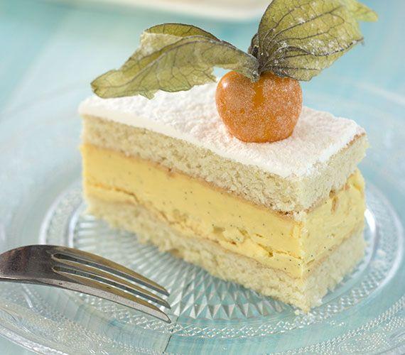 Misérable. Een gebakje gemaakt van 2 lagen amandelbiscuit met daartussen fijne vanilleboterroom.