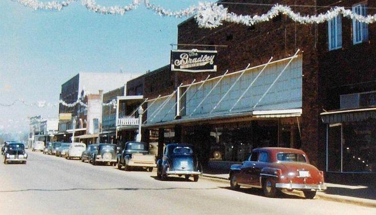 Businesses in Warren, Arkansas - Looking North on Main Street