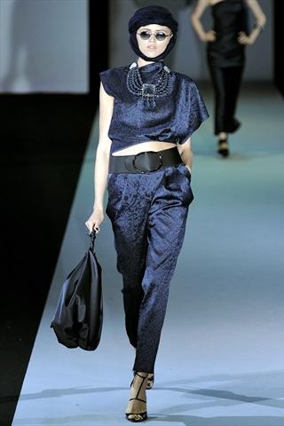 Sfilate Giorgio Armani Collezioni Primavera-Estate 2011 - Sfilate Milano - Moda Donna - Style.it