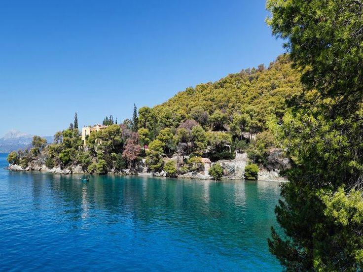 Φύγαμε για εκδρομή: Αυτή είναι η πιο… ερωτική παραλία της Ελλάδας που πρέπει να ανακαλύψεις! Και μάλιστα δίπλα στην Αθήνα!