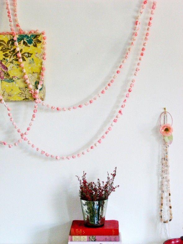 Jeska's beautiful diy tissue paper pom pom garland @Jeska Dzwigalski Hearne