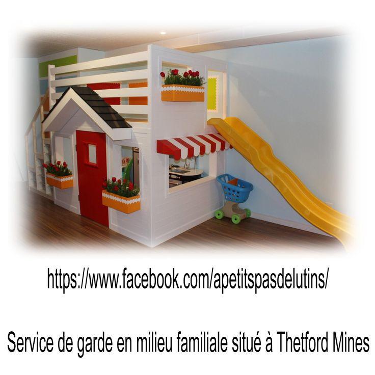 maisonnette intérieure. indoor playhouse. kindergarten. preschool. salle de jeu. playroom. garderie. maternelle. prématernelle.