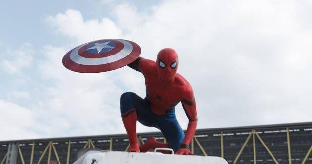 新生スパイダーマンお披露目!「アベンジャーズ」参加が正式発表! - グノシー