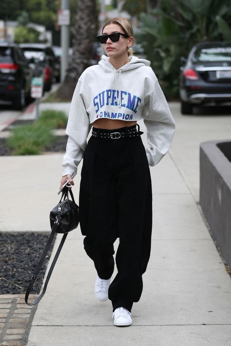 Hailey Baldwin Out in West Hollywood 10/30/2017. Celebrity Fashion and Style | Street Style | Street Fashion