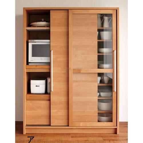 優しい風合いで高機能。 隠したいけれど、使うときの面倒な出し入れは困るキッチン家電を大きな引き戸でさっと隠して。開閉スペースを取らない点も魅力。蒸気のこもりを防ぐ『モイス』など、こだわりの機能も満載。