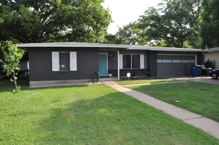 Ranch re painted ranch for Mid century modern exterior house paint colors