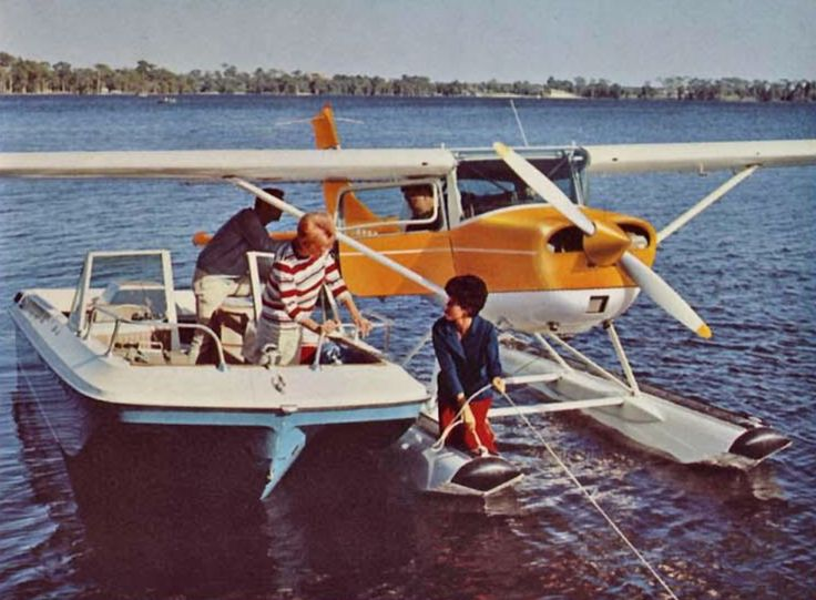 1969 Cessna 150 rendezvous with a pleasure boat! Why doesn't this happen more?!