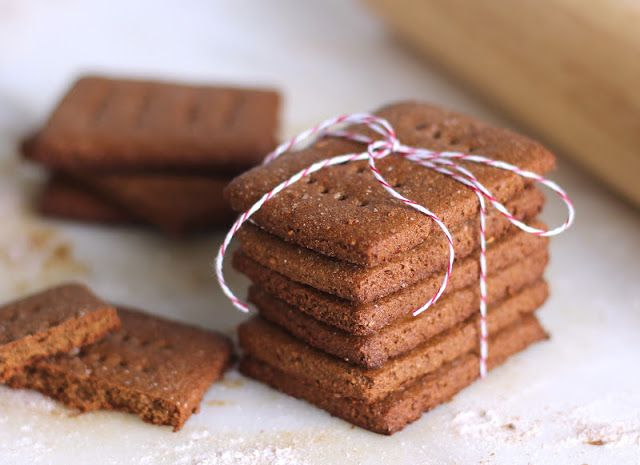 Healthy Homemade Graham Crackers - Desserts with Benefits