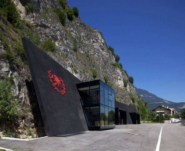 73 Spectacular Mountainside Structures