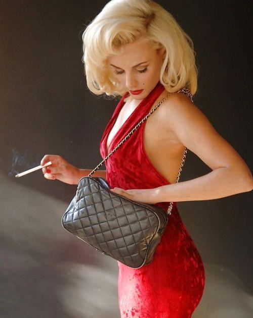 https://i.pinimg.com/736x/51/a8/21/51a8214798155e26d5520fb8cca8f99f--sexy-smoking-women-smoking.jpg
