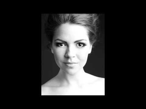 Tichá noc / Stille Nacht (F. X. Gruber) Soprano: Patricia Janečková Arrangements and piano: Irena Szurmanová The recording was made on December 2015. https:/...