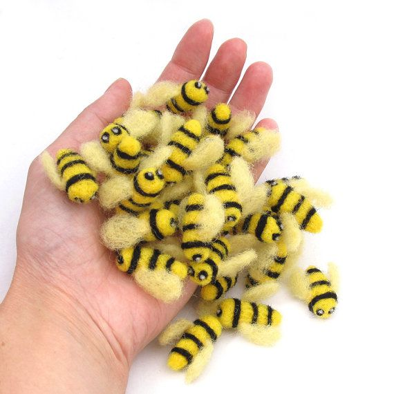 5 Needle Felted Bees Felt Bumble Bee Decorations By Drudruchu