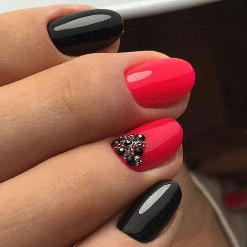 Ring finger with black and red glitter..?