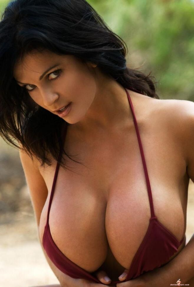 Hot Naked Pics busty reverse cowgirl