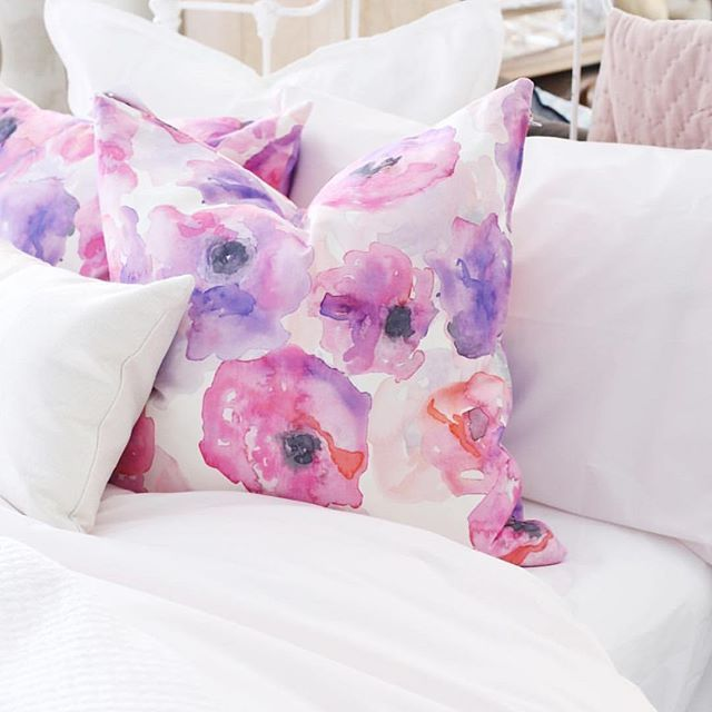 A beautiful pop of color never goes out of style 🌸 Visit Rothman & Co! Regram from @Rothmanandco | Featuring the Poppy print by JOUE Design | Shop this look and more www.jouedesign.com | original artwork | watercolor | painting | textile print | fabric | linen cotton | down feather | throw pillow | floral | flower | poppy bloom