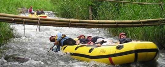 Rafting Telaga Waja The Lapama Adventure Bali memiliki daya tarik pemandangan alam sawah teras yang indah, hutan tropis, air terjun, serta burung liar yang berterbangan dan jika ketika waktu tertentu yang tidak bisa diprekdiksi, juga akan melihat monyet ketika perjalanan rafting Telaga Waja dari start point menuju finish point