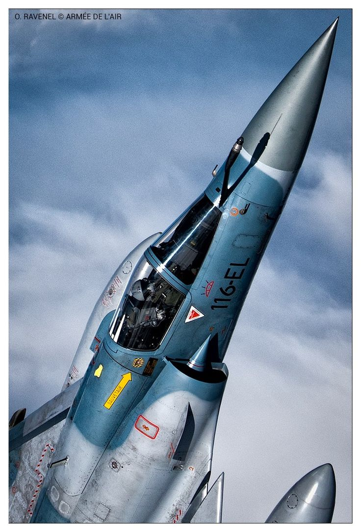 Mirage 2000 https://fr.wikipedia.org/wiki/Dassault_Mirage_2000 http://www.avionslegendaires.net/avion-militaire/dassault-aviation-mirage-2000/ https://www.youtube.com/watch?v=zhr9oCNRrCY