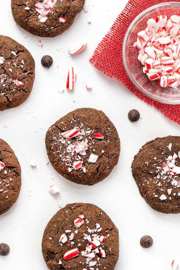 These HEALTHY Dark Chocolate Peppermint Cookies are made with a whole-grain base and coconut oil instead of butter! #cookies #christmascookies #chocolate #peppermint #glutenfree #quinoa