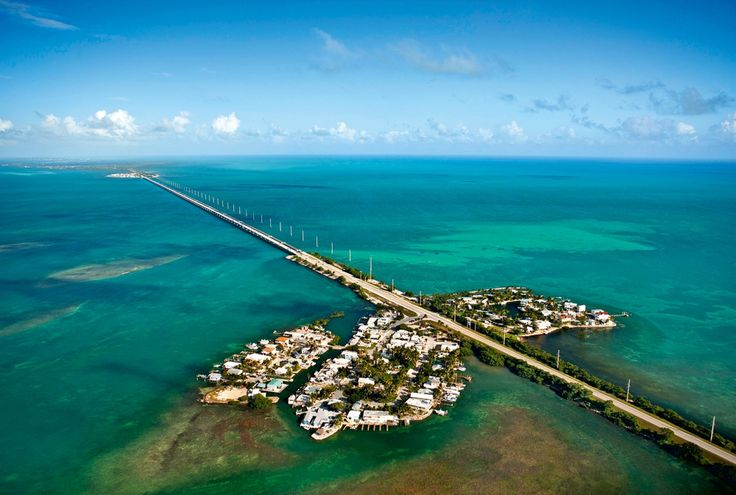 Флорида-Кис (англ. Florida Keys) — архипелаг, цепь коралловых островов и рифов на юго-востоке США. Общая площадь островов составляет 355,6 км², население 79 535 человек (2000 г).