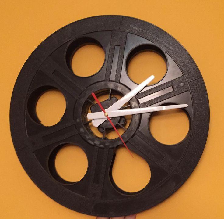 cinema clock - szpula pcv klejona pochodzi z Małego przyjemnego Kina Malta w Poznaniu
