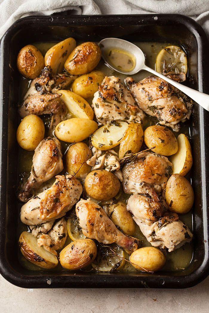 Chicken roasted in white wine, herbs and garlic